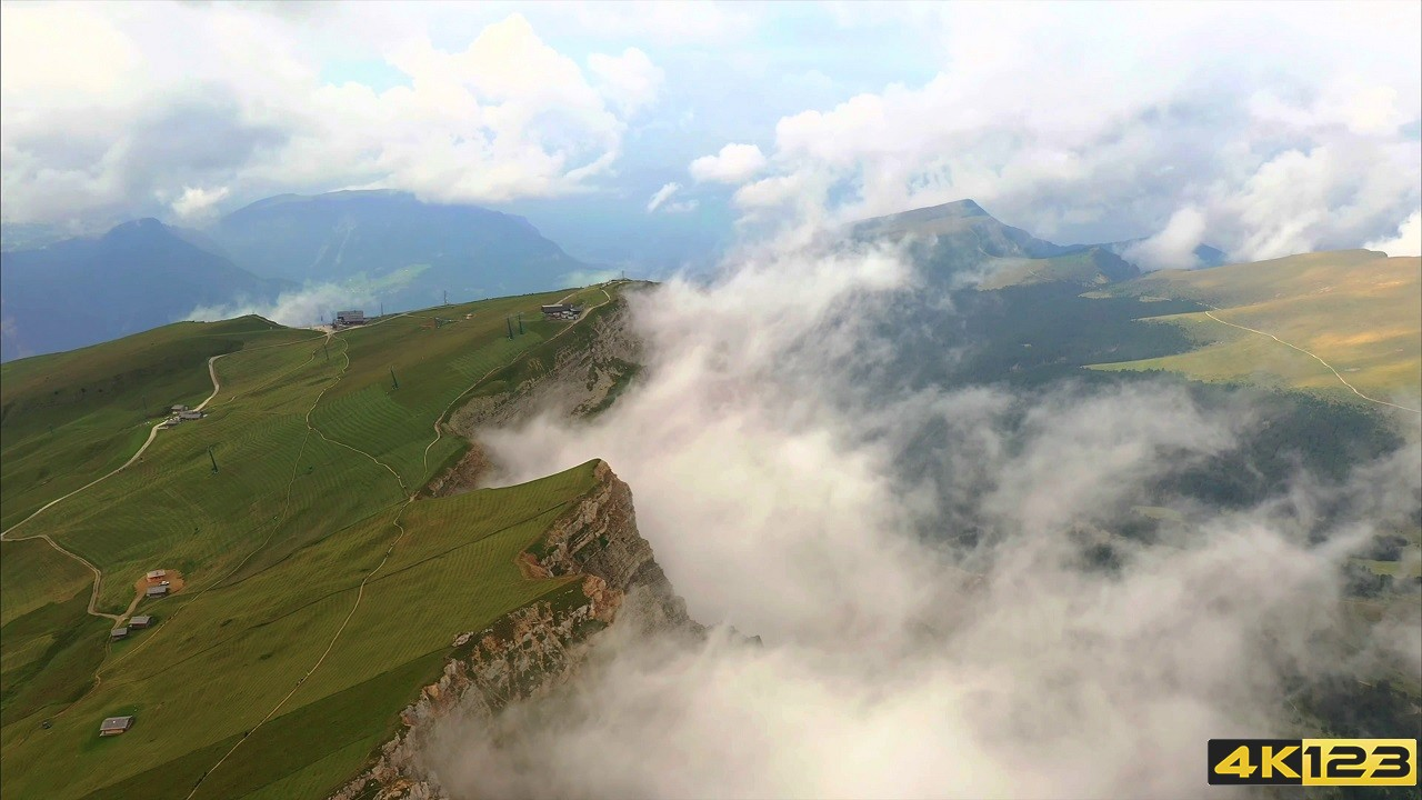 Switzerland in 8K ULTRA HDR - Heaven of Earth (60 Fps) [2160p60]110.450.jpg