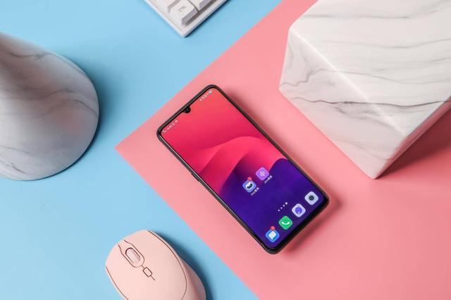 5G手机玩游戏怎么选?iQOO Pro 5G版值得拥有,游戏手机都得靠边